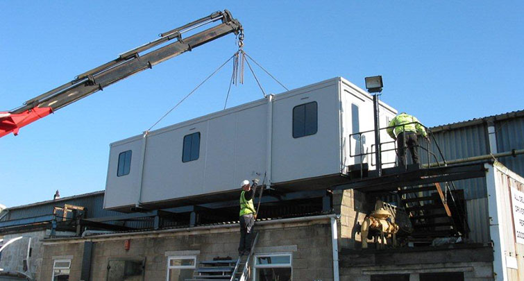 Concept Accommodation - Portable Building crane installation