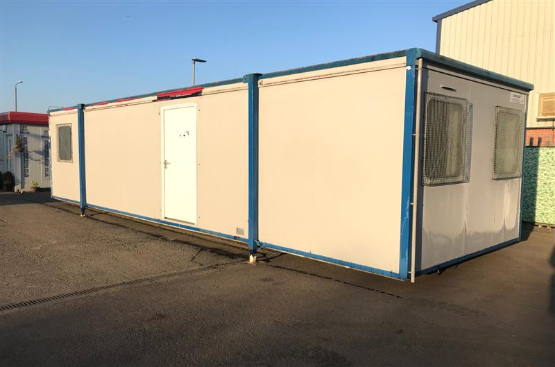 Pre-owned 34' x 10'/10.3 x 3m