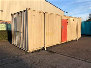 Pre-owned 24' x 8'/7.3 x 2.4m