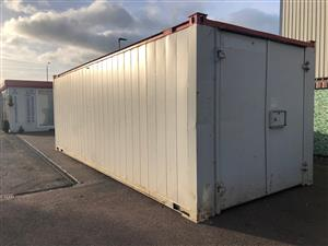 Pre-Owned 24' x 9'/7.2 x 2.7m
