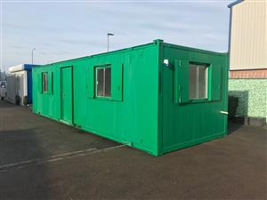 Pre-owned 32' x 10' / 9.6 x 3m