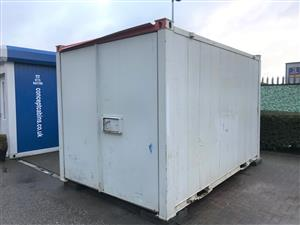 Pre-owned 12' x 9'/3.6 x 2.7m